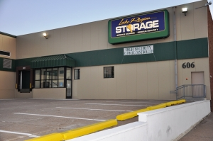 Oakdale self storage from Lake Region Storage