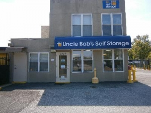 College Park self storage from Uncle Bob's Self Storage - Landover