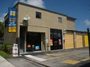 Delray Beach self storage from Uncle Bob's Self Storage - Delray Beach - S Congress Ave
