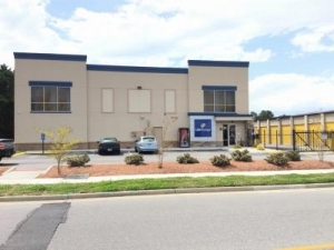 Life Storage - Virginia Beach - Central Drive