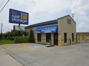 photo of Uncle Bob's Self Storage - Katy - N Fry Rd