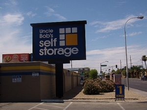 Phoenix self storage from Uncle Bob's Self Storage - Phoenix - W Camelback Rd
