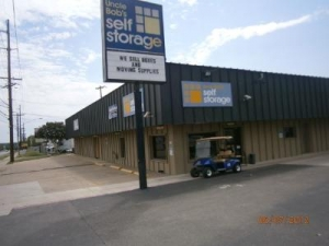 Austin self storage from Uncle Bob's Self Storage - Austin - N Lamar Blvd