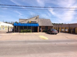 photo of Uncle Bob's Self Storage - Houston - Kuykendahl Rd