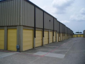 photo of Uncle Bob's Self Storage - Dallas - Plantation Rd