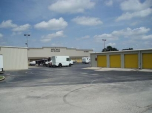 photo of Uncle Bob's Self Storage - League City - 2280 E Main St