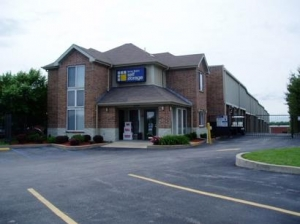 Maryland Heights self storage from Uncle Bob's Self Storage - Hazelwood