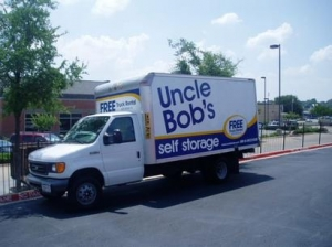 Uncle Bob's Self Storage - Arlington - 4320 Little Rd - Photo 4