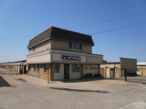 photo of Uncle Bob's Self Storage - Dallas - N Buckner Blvd