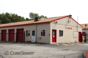Waterford self storage from CubeSmart Self Storage