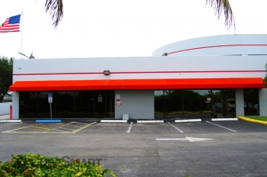 Plantation self storage from CubeSmart Self Storage