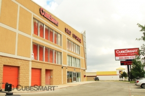 Helotes self storage from CubeSmart Self Storage