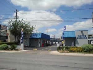 San Antonio self storage from Your Storage Place - San Antonio - Fredricksburg Rd.