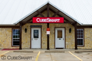 Aubrey self storage from CubeSmart Self Storage