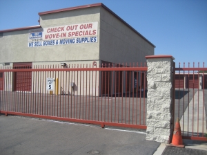 Santa Ana self storage from Baker Fairview Self Storage