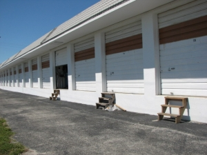 photo of Commercial Center Storage - Commercial Blvd.