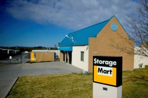 Kansas City self storage from StorageMart - 169 Hwy & NE Cookingham