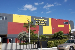 Miami self storage from StorageMart - Bird Rd & 99th Ave