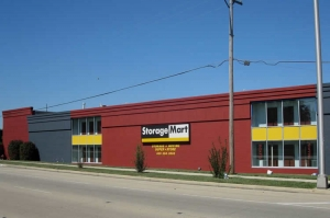 Hanover Park self storage from StorageMart - North Ave & I-355