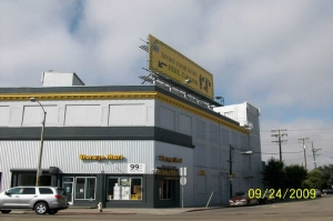 Hayward self storage from StorageMart - Market & San Pablo