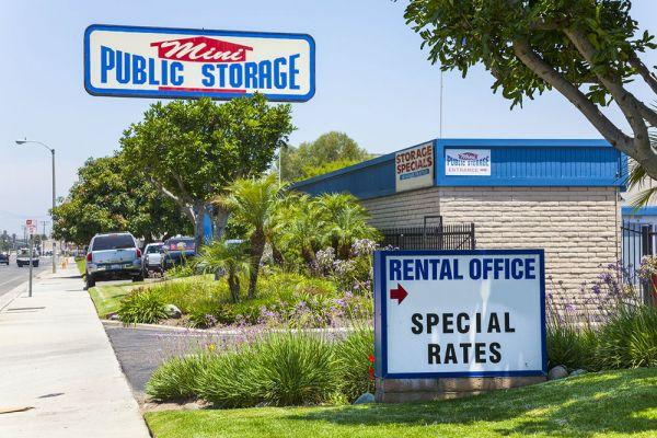 Mini Public Storage - Stanton Self Storage | 11342 Western Ave ...