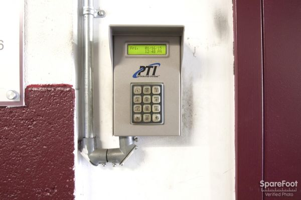18019 Ventura Blvd Encino, CA 91316 - Security Keypad