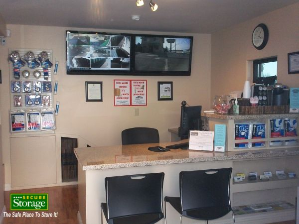 31547 Outer Highway 10 Redlands, CA 92373 - Front Office Interior