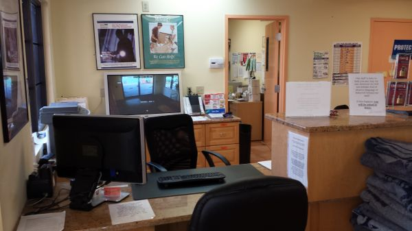 175 E Alamo Dr Lakeland, FL 33813 - Front Office Interior