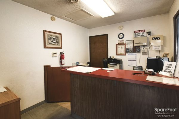 1314 N Schmeer Rd Portland, OR 97217 - Front Office Interior