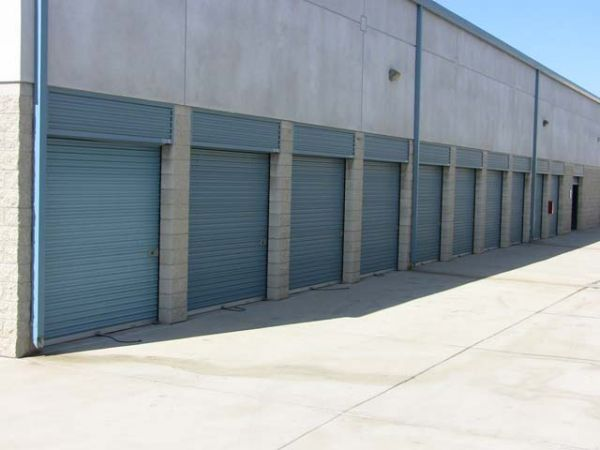 325 Trousdale Dr Chula Vista, CA 91910 - Drive-up Units