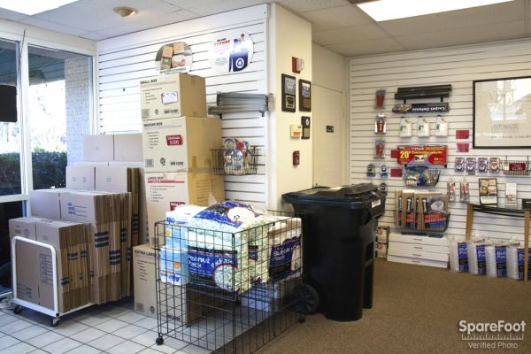 1934 E Taft Ave Orange, CA 92865 - Moving/Shipping Supplies