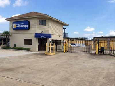 4333 FM 2351 Road Friendswood, TX 77546 - Store Front|Security Gate