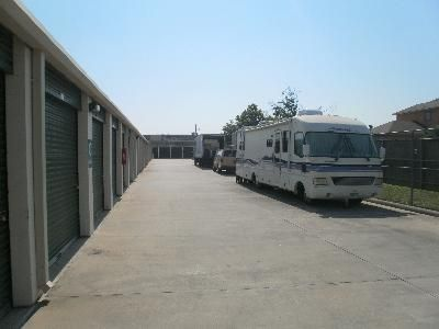1435 Silverado Drive Houston, TX 77077 - Car/Boat/RV Storage