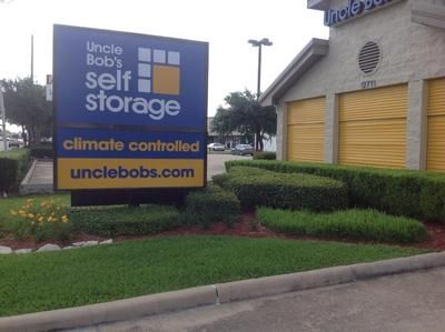 12711 Westheimer Rd Houston, TX 77077 - Signage