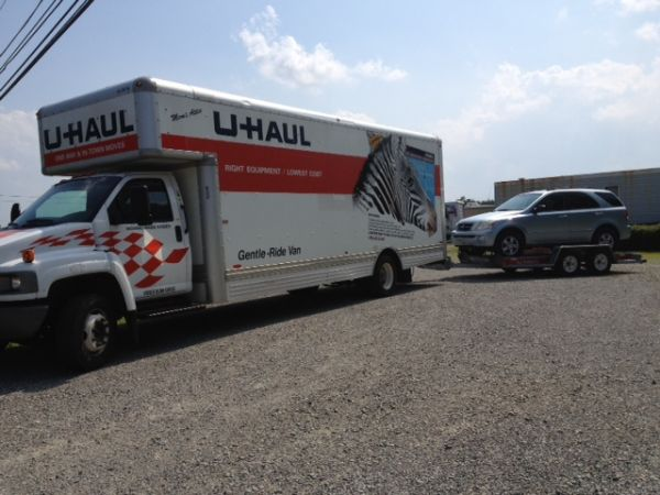 809 South Main Street Troutman, NC 28166 - Moving Truck