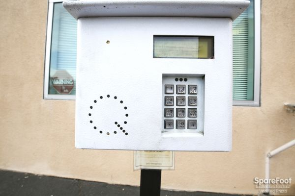 3401 W Rosecrans Ave Hawthorne, CA 90250 - Security Keypad