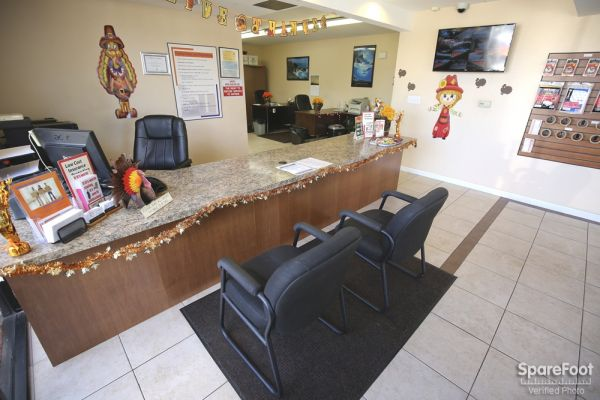 3701 Inglewood Ave Redondo Beach, CA 90278 - Front Office Interior