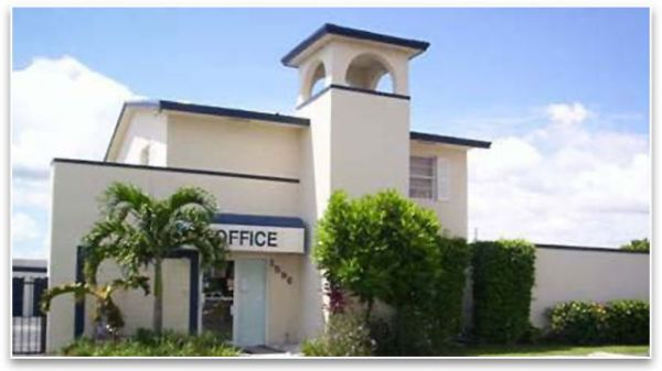 1596 NE 8th St Homestead, FL 33033 - Storefront