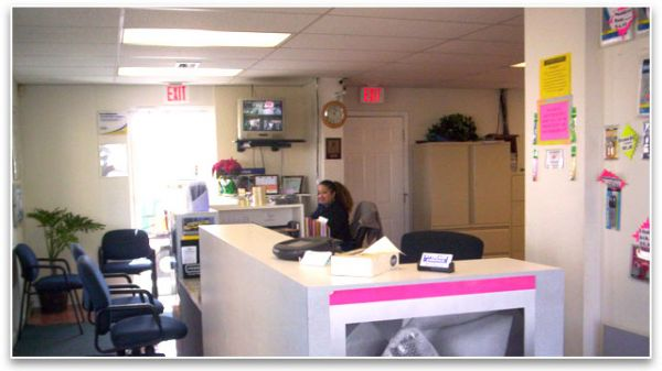 1596 NE 8th St Homestead, FL 33033 - Front Office Interior