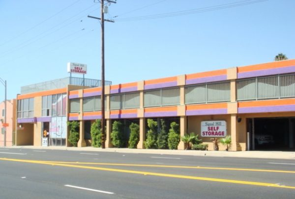 2901 East Pacific Coast Highway Signal Hill, CA 90755 - Storefront|Road Frontage