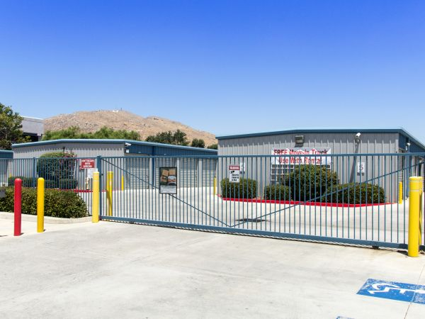 Western States Self Storage   23190 Hemlock Ave