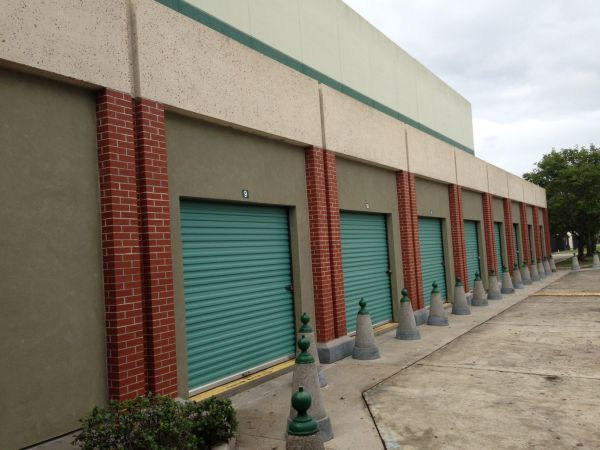 5151 Lapalco Blvd Marrero, LA 70072 - Drive-up Units