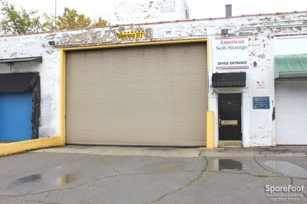 5509 S Oakley Ave Chicago, IL 60636 - Drive-up Units