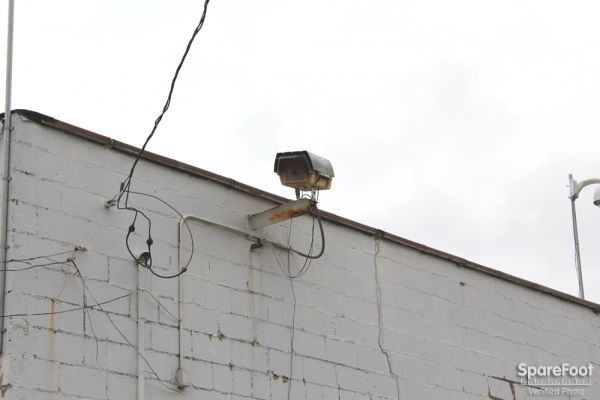5509 S Oakley Ave Chicago, IL 60636 - Security Camera
