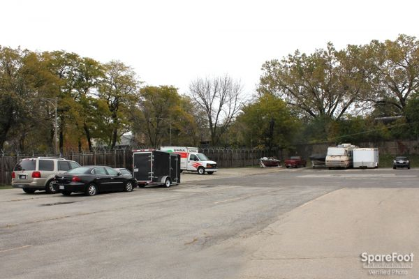 5509 S Oakley Ave Chicago, IL 60636 - Car/Boat/RV Storage