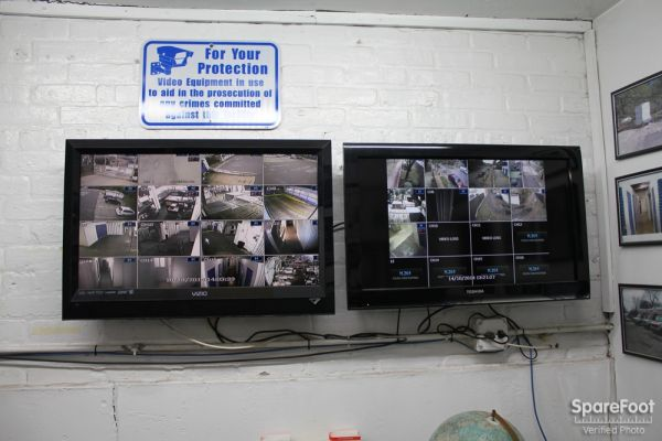 5509 S Oakley Ave Chicago, IL 60636 - Security Monitor