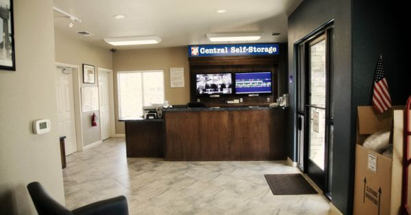 3 W 23rd St Merced, CA 95340 - Front Office Interior