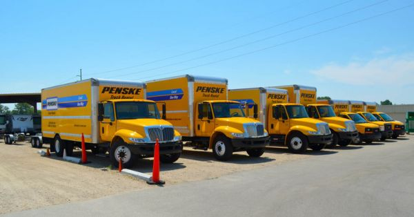 925 W Overland Rd Meridian, ID 83642 - Moving Truck