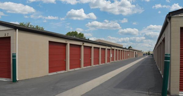 8303 Vincent St Boise, ID 83709 - Driving Aisle|Drive-up Units