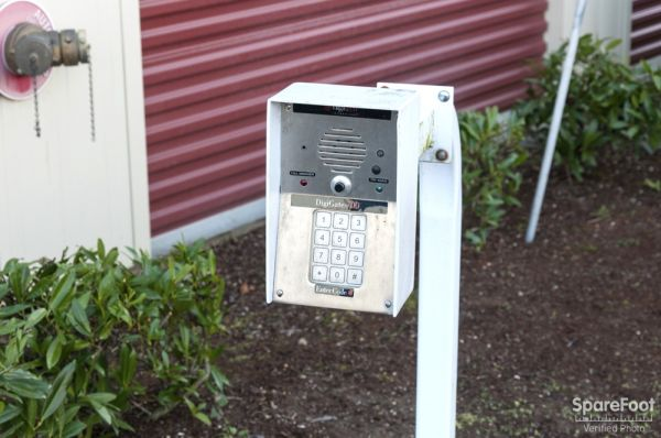 2 16th St NE Auburn, WA 98002 - Security Keypad